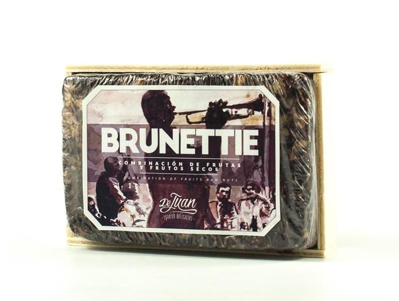 brunettie-caja